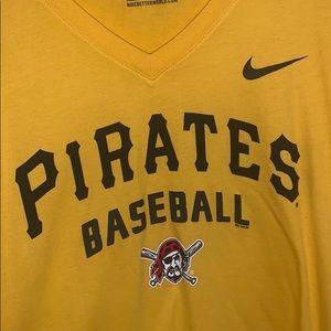 Nike women's Pittsburgh Pirates shirt